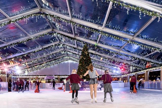 Ледовые катки в Лондоне: где находятся, как работают, сколько стоят?