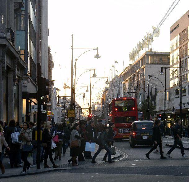 Лондон в ноябре: дождь с прослойкой солнца и надвигающееся Рождество