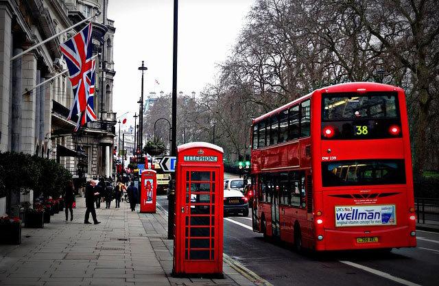 Экскурсионные автобусы hop-on hop-off в Лондоне