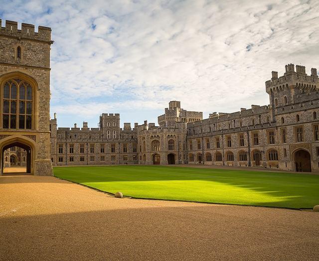 Виндзорский замок — загородная резиденция королей