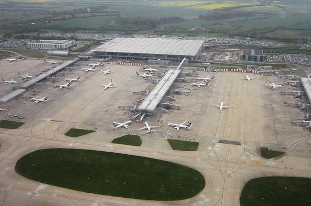 4 основных аэропорта Лондона. Как добраться?