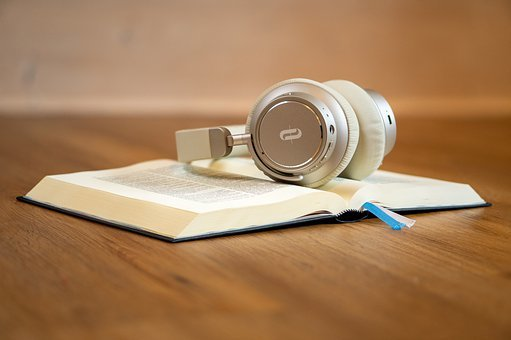 Как учить английский по аудиокнигам?