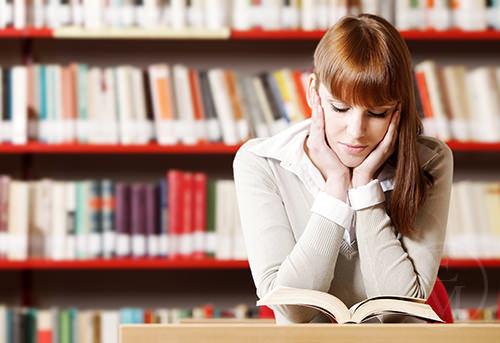 Зубрить или не зубрить: стоит ли учить английские тексты и диалоги наизусть