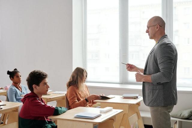С каким преподавателем начинать изучение английского языка