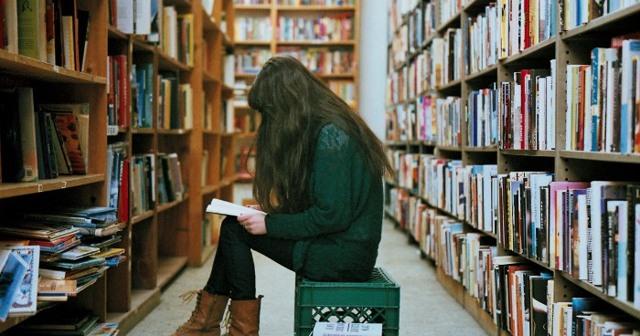 Как учить английский язык по книгам: польза адаптированной литературы
